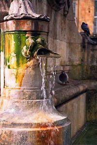 http://wikitravel.org/en/Aix-en-Provence