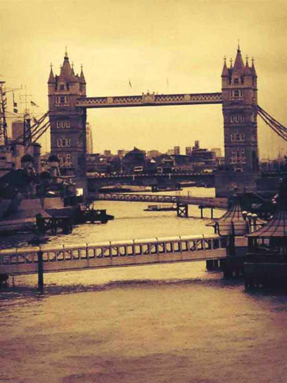 Thames and Tower Bridge - photo by Lottie Nevin