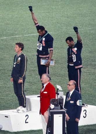330px-John_Carlos,_Tommie_Smith,_Peter_Norman_1968cr