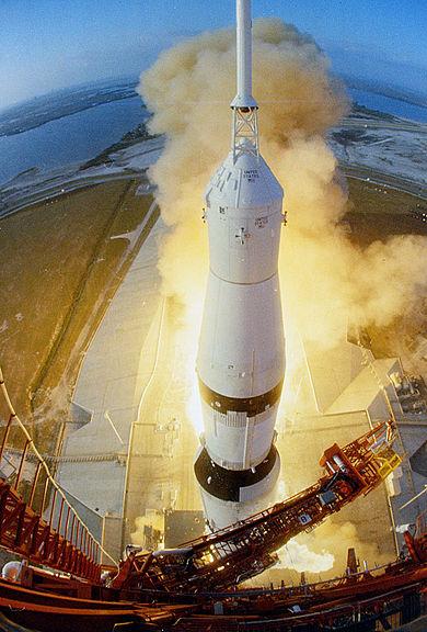 390px-Apollo_6_launch